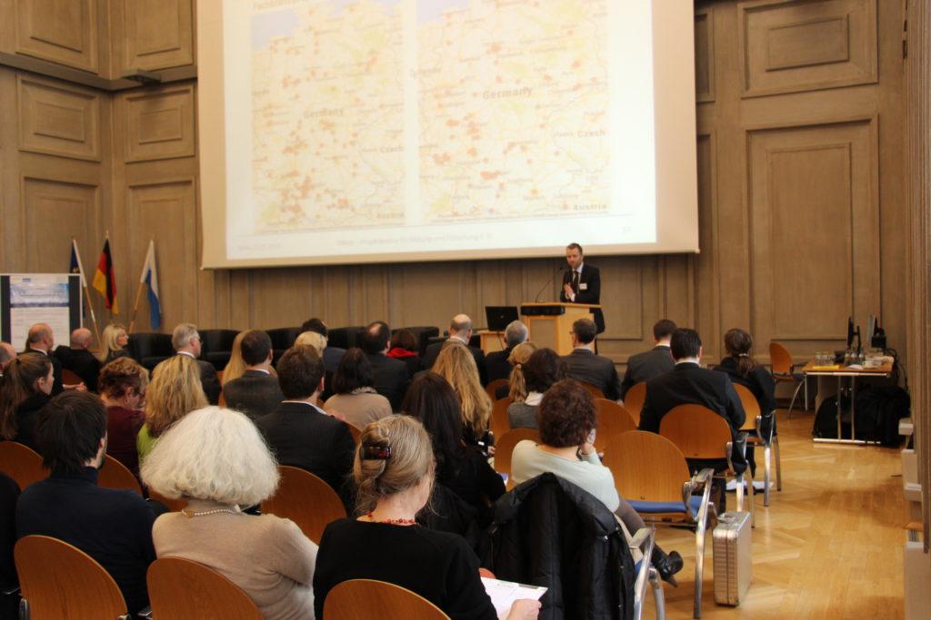 Präsentation der Ergebnisse der Bestandserhebung Neue Arbeitsmigration durch Christian Pfeffer-Hoffmann