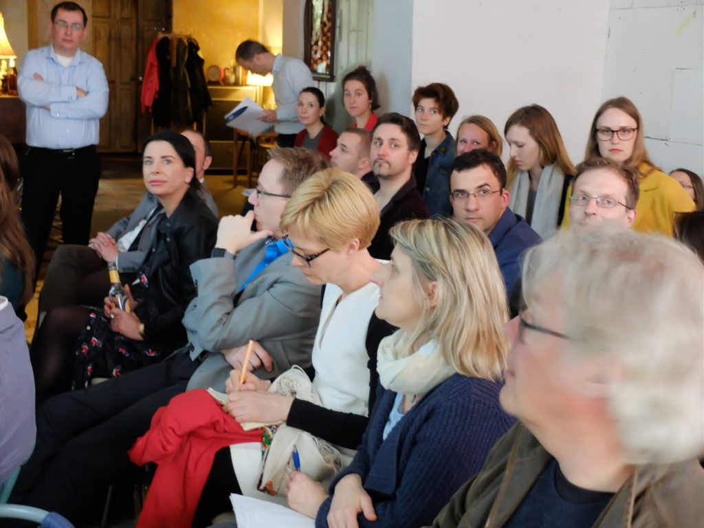 Besucherinnen und Besucher der Veranstaltung