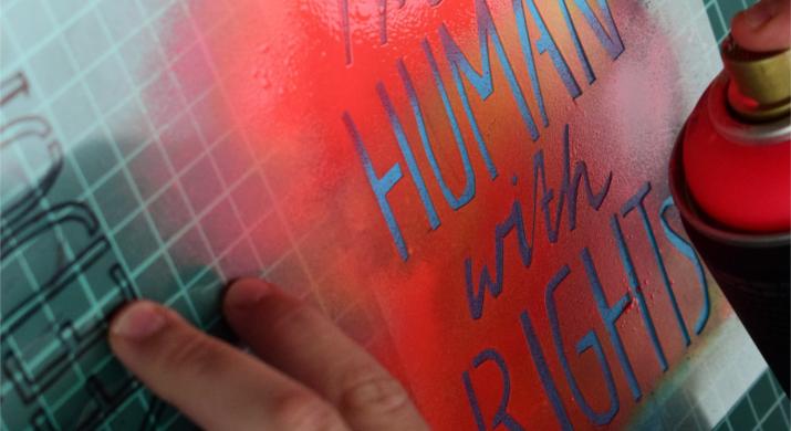 Die künstlerische Umsetzung zum Thema Menschenrechte in Form von Stencils