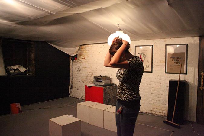 Eine Teilnehmerin des Theaterworkshops